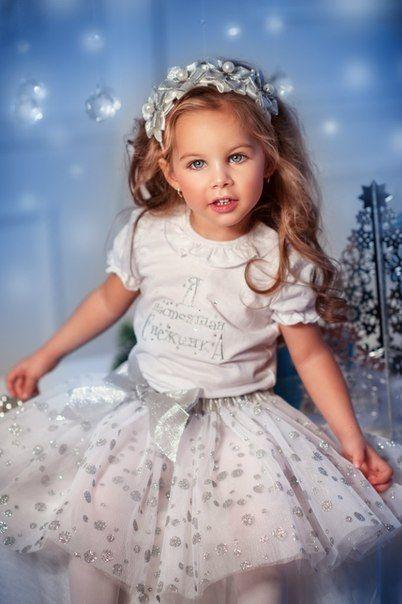 снежинки на платье