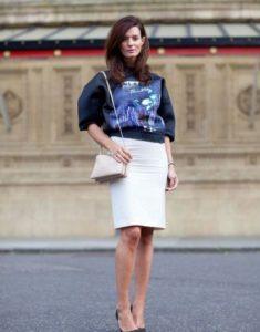 белая юбка со свитшотом