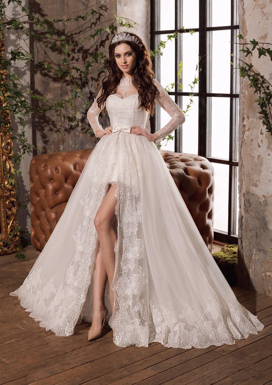Свадебное мини платье со шлейфом