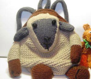 вязаный рюкзак овечка