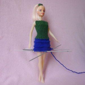 юбка для куклы спицами