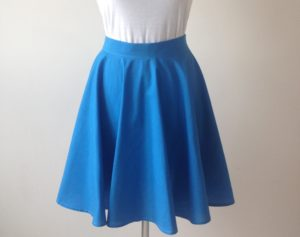 голубая юбка солнце