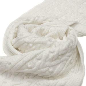 белый шерстяной шарф