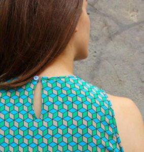 петелька на платье