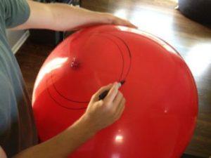 Надуваем шар и рисуем линии