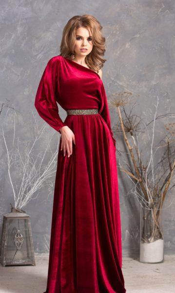 красное велюровое платье в пол