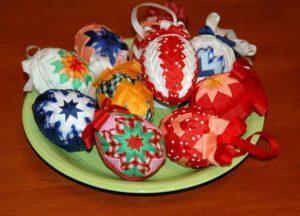 Аталс пасхальные яйца разные