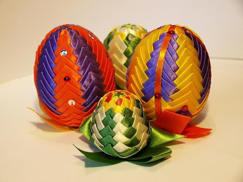 Атлас пасхальное яйцо