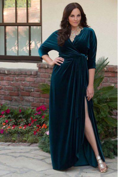 велюровое платье для пышных форм