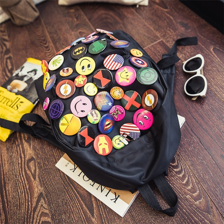 рюкзак со значками