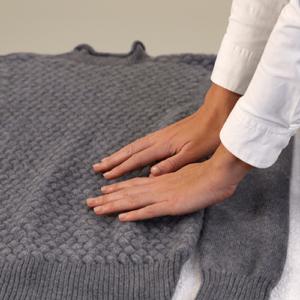 растягиваем свитер
