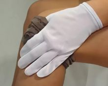 Перчатки для надевания компрессионных чулок