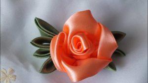 Роза из атласных лент 10