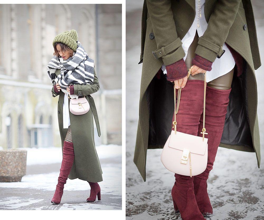 Бордовые ботфорты замшевые с пальто
