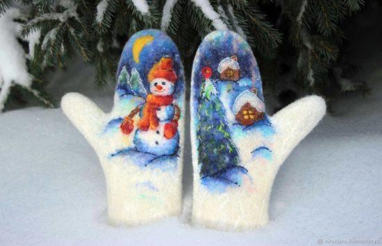 варежки из шерсти со снеговиком