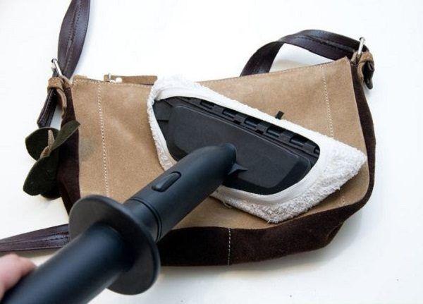 Чем почистить замшевую сумку?