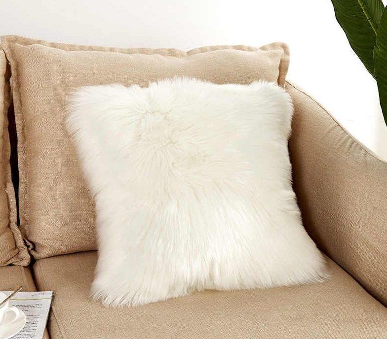 подушка из искусственной шерсти