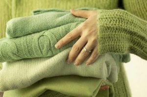 высушенные шерстяные свитера
