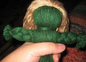 зеленая куколка