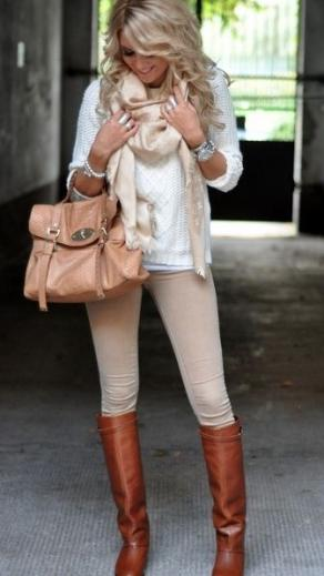 лосины легинсы бежевые с белым свитером