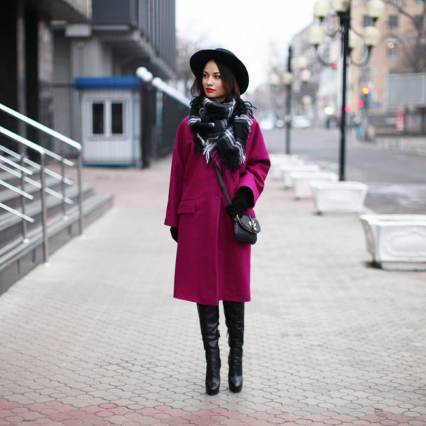 драповое пальто и шляпа