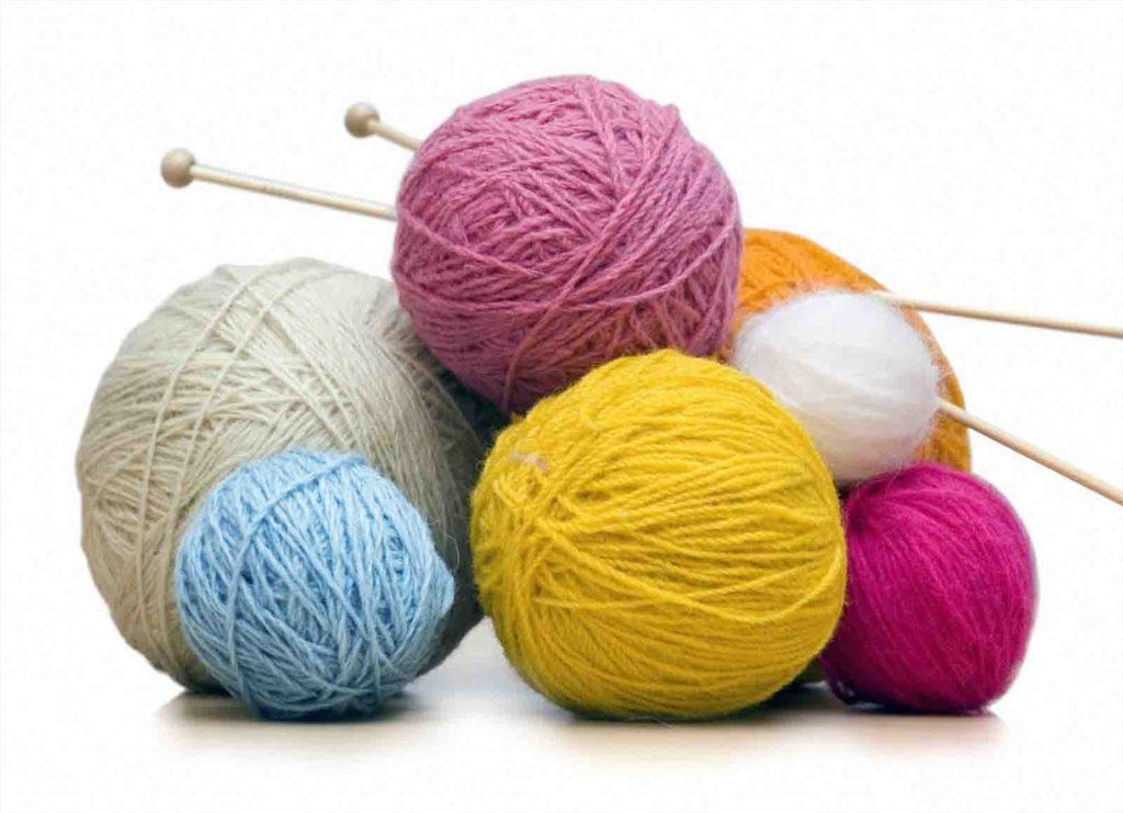 нитки и спицы для вязания