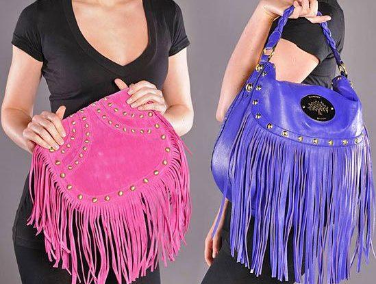 Розовая сумка с бахромой