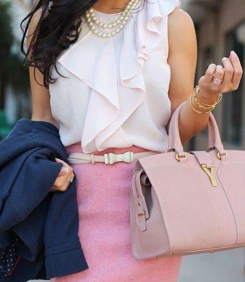 Розовая сумка и юбка