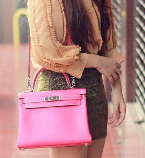 Розовая сумка с мини-юбкой
