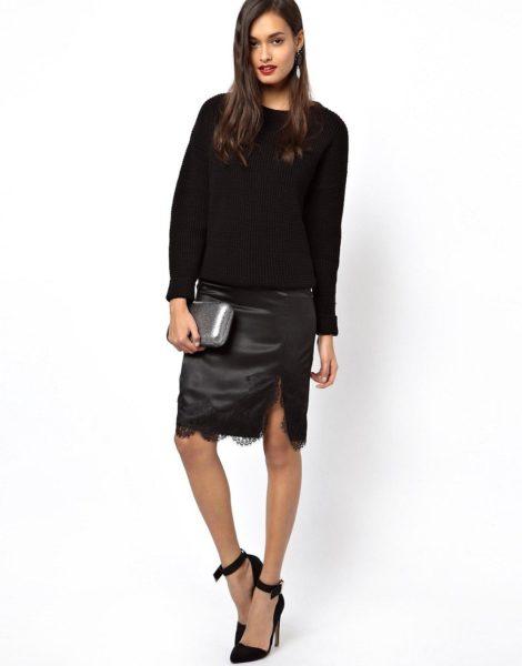 чёрная атласная кружевная юбка