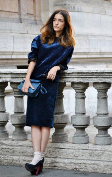 велюровое платье для повседневной носки