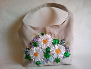 вышивка на льняной сумке