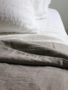 Сон на льняных простынях