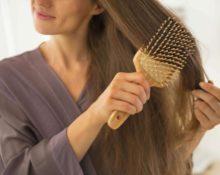 почему не нужно чесать волосы чужой щёткой