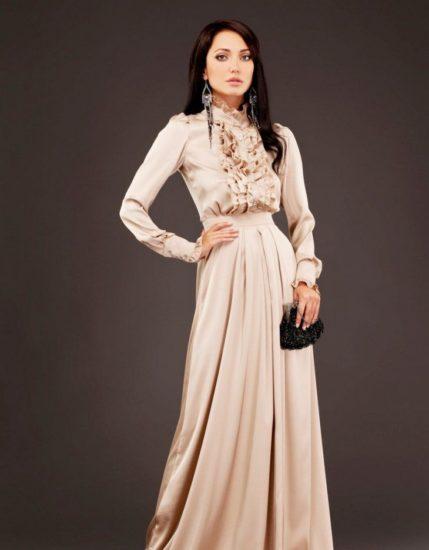 шёлковое платье с длинным рукавом