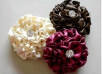 Броши цветки разных цвтов