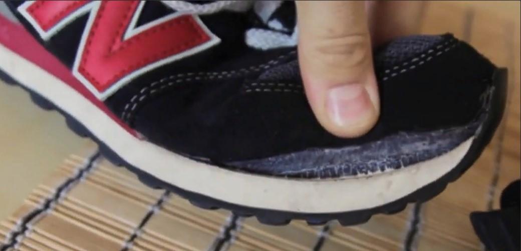 Кроссовки чем заклеить носок кроссовок