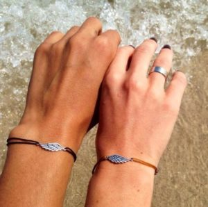 браслеты двойка