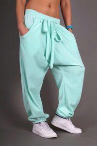 широкие мужские  спортивные штаны