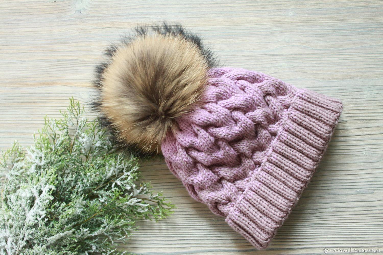 объемная шапка с косичками и отворотом