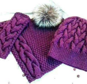 объемная шапка с помпоном и шарфом