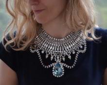 отличие колье и ожерелья