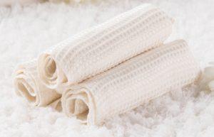 светлые вафельные полотенца