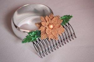 заколка для волос из бисера