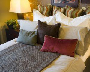 Как убрать постель по-французски