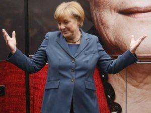 Почему Меркель одевается так скучно