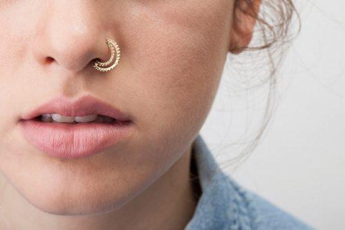 кольцо в носу