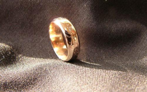 кольца с гравировкой