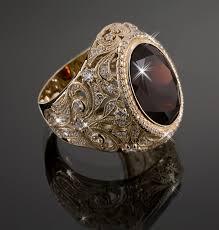 Перстни с драгоценными и полудрагоценными камнями