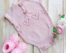Боди спицами для новорожденных розовый